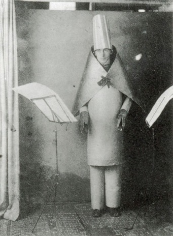 hugo ball magico vescovo